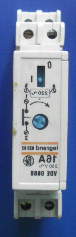 Treppenlichtzeitschalter legrand 035 62 16A 250V,VDE 0660